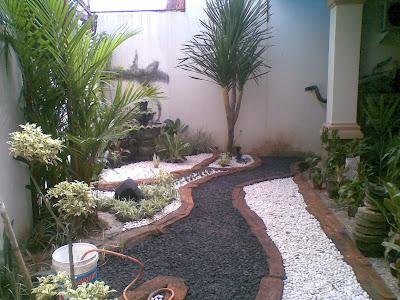 jasa penbuatan taman depan rumah dengan kolam ikan